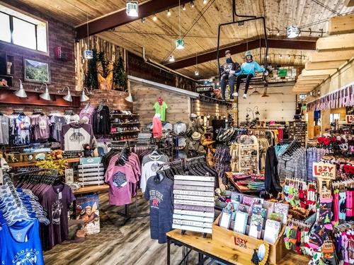 souvenier-store-inside